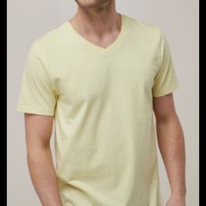 NEW WITH TAGS SONOMA  V-neck